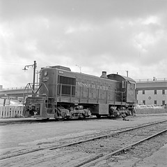 [Missouri Pacific, Diesel Electric Switcher No. 9156] (SMU Central University Libraries) Tags: railroad yards diesel trains mp locomotives mopac railroads switchers