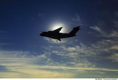 KC-390, o futuro cargueiro da Fora Area Brasileira (Fora Area Brasileira - Pgina Oficial) Tags: fab sol bluesky ceu voo 390 embraer silhueta ceuazul foraareabrasileira forcaaereabrasileira brazilianairforce fotobrunobatista kc390 ano2016