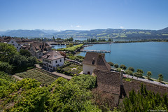 Rapperswil by the lake (Madrid Pixel) Tags: switzerland ch rapperswil sanktgallen canonefs1022mmf3545usm rapperswiljona canoneos7dmkii