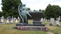 Grave of Chester Arthur (CaptureHour) Tags: presidentiallandmarks president presidents chesterarthur albany albanyny presidentgrave