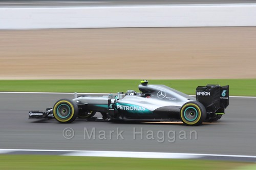 Nico Rosberg in his Mercedes in qualifying at the 2016 British Grand Prix