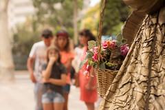LVM - Un robado (Nathalie Le Bris) Tags: robado candid barcelona ramblas estatua statue sorpresa surprise