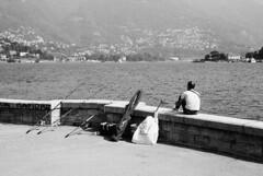 Buona pesca! (sirio174 (anche su Lomography)) Tags: pesca pescatori pescatore fisherman cannedapesca como lago lake lagodicomo comolake