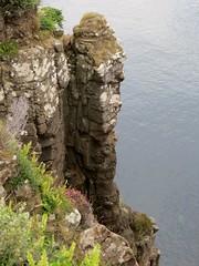 Kilt Rock, pninsule de Trotternish, le de Skye, Ross and Cromarty, Highland, Ecosse, Royaume-Uni (byb64) Tags: kiltrock trotternish trotternishpeninsula skye isleofskye ledeskye innerhebrides hbrides hbridesintrieures le isle island isla rossandcromarty ross rossshire highland highlands loch ecosse escocia schottland scotland scozia grandebretagne greatbritain grossbritanien granbretana royaumeuni reinounido vereinigtesknigreich ue uk unitedkingdom eu europe paysage paisaje paesaggio landschaft landscape vue view vista veduta raasay soundofraasay