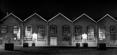 The old Workshop (Kjeldvdh) Tags: amersfoort werkstatt factory netherlands nederland niederlnde nikon d5500 night nightscape bw black white old alt architecture exposure long urban city stad outdoor railway rail train trein spoorwegen empty lonely alone brick ziegel gebude nacht himmel sky details plant light dark dunkeln donker digital nikkor window windows fenster graffiti hdr symmetrie symmetrisch symmetry
