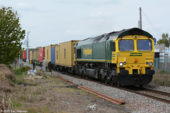 No 66541 2nd May 2015 Nacton (Ian Sharman 1963) Tags: port train branch diesel no shed may engine rail railway loco trains 66 class line 2nd container crewe locomotive railways felixstowe freightliner 2015 nacton railfreight of 66541 4l89
