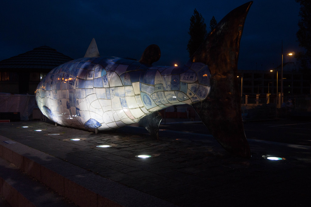 THE BIG FISH NEAR THE LAGAN WEIR IN BELFAST [BY JOHN KINDNESS] REF-104724