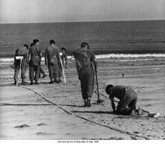 HU024244 (ngao5) Tags: africa people beach soldier coast technology many military group egypt middleeast engineering males british engineer minefield europeans royalengineers metaldetector militarypersonnel suezcrisis1956