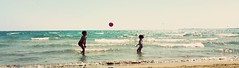 Sospesi, giocosi... tra cielo, mare e terra