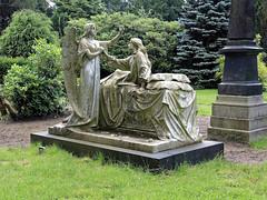 7978 Bremerhaven Friedhof (RainerV) Tags: 16071 bremen bremerhaven deu deutschland friedhof geo:lat=5351282432 geo:lon=859496492 geotagged grabmal nikonp7800 rainerv skulptur wulsdorf