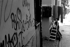 Road Shop (Leica M6) (stefankamert) Tags: stefankamert leica m6 m analog film ilford fp4 voigtlnder nokton bw sw blackandwhite blackwhite schwarzweis monochrome noir noiretblanc street shop grain bokeh
