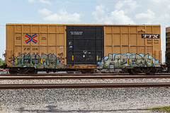 (o texano) Tags: houston texas graffiti trains freights bench benching lunch helm wh