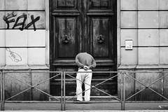 FAX (ReSa) Tags: street streetphotography blackandwhite monochrome people roma italia