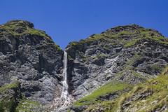IMG_1967 (davidesantiano) Tags: blu blue sky avventura adventure sun sole estate summer mountain turisti turist trekking hiking massello cascata cascate acuqa fall prato