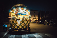 Save the Mojito (Bokehschtig (OFF)) Tags: street italy gardalake gardasee peschieredelgarda italia italien strase ananas cocktail people nightshot sony a7 sonya7 sel55f18z 55mm f18 night vacation funny