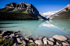 Lake Louise at early morning. (mzagerp) Tags: road trip usa canada rockies rocheuses etats unis mzagerp banff national park lake louise moraine lac emerald émeraude plain six glaciers columbia icefield glacier