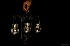 Tre luci ... in una sola mano !!! (ugo.ciliberto) Tags: luci lights candele candles lume lamp mano hand fiamme flames