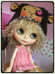 A little bid small for my Kiwi.. but she likes the Lalatroop hat so much...lol...