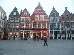Maisons sur le Markt à Bruges (alain_halter) Tags: belgique façades maisons bruges pavs fenêtres pavés fentres faades régionflamande pavžs