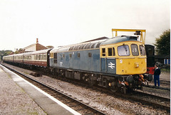 33048 Williton (British Rail 1980s and 1990s) Tags: br britishrail class33 33048 wsr westsomersetrailway 33 train rail railway station diesel loco locomotive 90s 1990s sulzer type3 nineties livery heritageline preservation preserved trains locohauled passenger brcw liveried blue traction railways