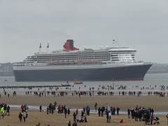RMS Queen Mary 2 (Peter_D_91) Tags: cunard rivermersey crosbybeach rmsqueenmary2