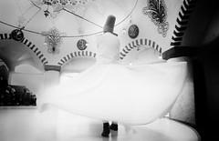 Derviches Giróvagos, Whirling Dervishes (I) (orozco-fotos) Tags: turkey tokina1224 sema orozco sama cappadocia konya turquía kapadokya capadocia whirlingdervishes dervichesgiróvagos tükiye nikond90 sigma18250 corozco orozcofotos dervişevi