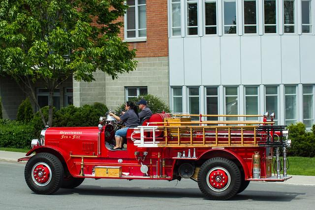 Vieux camion de pompiers - Old Fire Truck