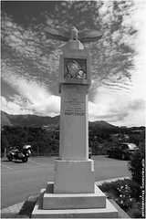 Route Napolon. (Frdric B) Tags: bw statue canon 6d napolon 24105mm n85 routenapolon