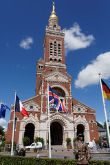 Albert Basilica from the town square, France (Richard Buckley) Tags: somme centenary picardy france battle war memorial poppies field corn scene view statue soldier basilica cross headstone grave greatwar worldwar1 caribou troops irish newfoundland australian shell artillery cemetery trench ceremony