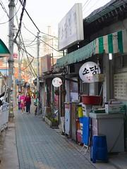 Nagwon-dong (Travis Estell) Tags: alley korea seoul southkorea jongno nakwon republicofkorea jongnogu nakwondong nagwondong nagwon