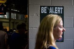 Be Alert (Phil Roeder) Tags: chicago illinois baseball wrigleyfield chicagocubs canonef70200mmf4lusm canon6d