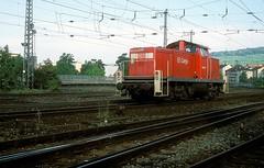 290 043  Wrzburg  16.08.00 (w. + h. brutzer) Tags: wrzburg eisenbahn eisenbahnen train trains deutschland germany railway diesellok dieselloks lokomotive locomotive zug 290 v90 db webru analog nikon 294 296