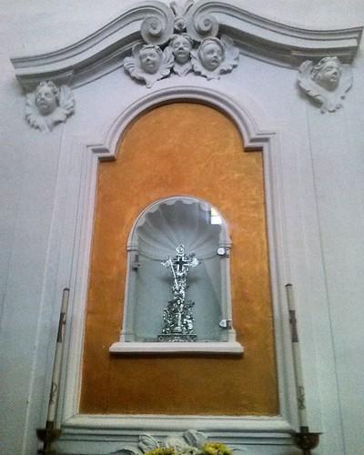 #chiesa #interno #crocifisso in  ostie  per le comunioni