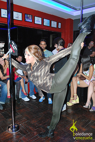"""Inauguración Elektra Pole Dance • <a style=""""font-size:0.8em;"""" href=""""https://www.flickr.com/photos/79510984@N02/17425456800/"""" target=""""_blank"""">View on Flickr</a>"""