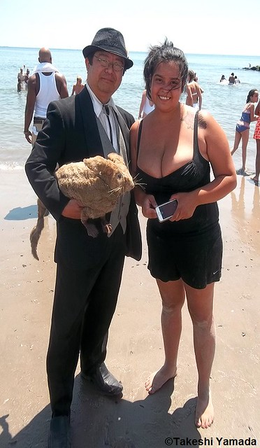 Dr. Takeshi Yamada, Seara (sea rabbit) and mermaid at the Coney Island Beach in Brooklyn, New York on July 25, 2014. 20140725 100_3409===C