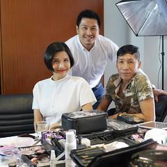 วันนี้เหมือนออกมาทำงานกับคนในครอบครัว 😊💕 #happyworking #พี่สาวร่วมสำนัก @taedusitmakeup #คุณครูของฉัน @phongrat_makeup  #ขอบพระคุณคุณครูใหญ่ที่ทำให้เรามาพบกัน @kuadmontri 💖🙏⭐