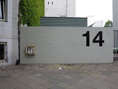Naschsucht / Sweet Tooth (bartholmy) Tags: berlin wall yard schöneberg gate pavement 14 tags sidewalk tor creepers hof downspout kaugummiautomat mauer gumballmachine gehweg kaugummi fallrohr wilderwein nissanfigaro