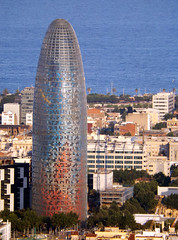 Torre Agbar (Lidia Cozar) Tags: barcelona torreagbar sea mar colors city ciudad