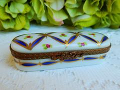 Limoges France Peint Main Porcelain Trinket Box ~ Cobalt Gold Diamonds ~ Signed (Donna's Collectables) Tags: limoges france peint main porcelain trinket box ~ cobalt gold diamonds signed