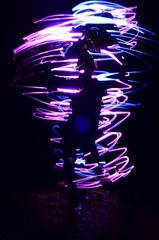 Al ritmo de la msica (Manutero) Tags: pink shadow luz girl lights luces long exposure neon chica dancing guitar guitarra rosa sombra silueta violeta larga exposicin linterna