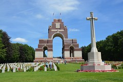 Thiepval Mmorial to the Missing of the Somme (France 2016) (paularps) Tags: france history memorial europa europe frankrijk battlefield greatwar worldwar1 geschiedenis oorlog herdenking mmorial arps guerremondiale cwgc battleofthesomme slagveld oorlogsgraven paularps grandguerre 19162016 labatailledusomme