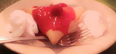 Strawberry Paradise Sopapilla @ El Fenix (Photosintheattic (Devy)) Tags: food restaurant strawberry indoor whippedcream sopapilla strawberrysauce
