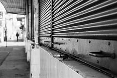 Cerrado (Oxkar G) Tags: canon calle cerrado t3 feriado 1100 temuco monocolor externo cortia