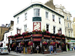 Zetland Arms (Draopsnai) Tags: zetlandarms pub traditionalbritishpub londonboozer butestreet oldbromptonroad kensingtonandchelsea south kensington