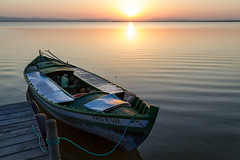 Sunset On The Lake (emacol09) Tags: spain valencia golsenhour laalbufera elsaler sunset lake water boat