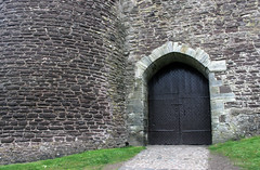 Entrance to Doune Castle (kavpro) Tags: castle leoch holy grail python winterfell scotland doune uk