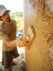 clay plaster - floating fiberglass stucco mesh 02 (The Year of Mud) Tags: theyearofmud naturalbuilding cob clayplaster lightclaystraw berea kentucky southslopefarm