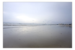 DSCF0177 copie (sylvainbachelot) Tags: beach baule pornichet plage sable mer ciel vague matin soir soleil mauijim coquillage toile de bord lumire mlancolie fujix70 panorama nature