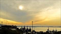 UR - Puerto de Montevideo (Maz Parchen) Tags: sunset rio uruguay cu porto nuvens montevideo puestadelsol riodelaplata montevidu navios riodaprata puertodemontevideo maz parchen portodemontevidu naviosnoporto