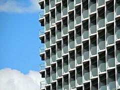 hotel patterns (kenjet) Tags: blue sky building geometric lines weather architecture hawaii hotel day pattern waikiki oahu balcony row line rows balconies sheraton princesskaiulani geometricpattern sheratonprincesskaiulani
